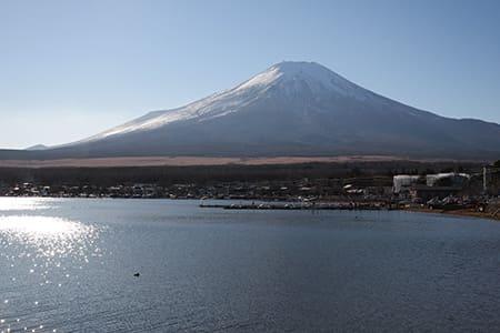 山中湖湖畔からの富士山