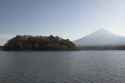 鵜ノ島と富士山