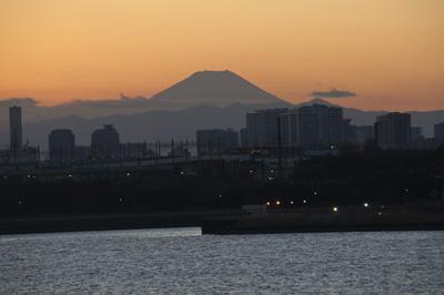 東京から見た夕富士