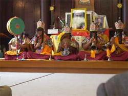 チベット僧の祈り&楽器演奏