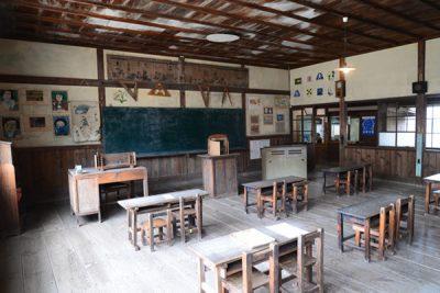 岬の分教場内部