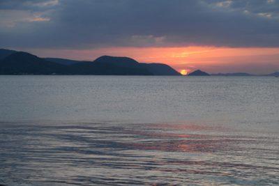 高松港から見る夕陽